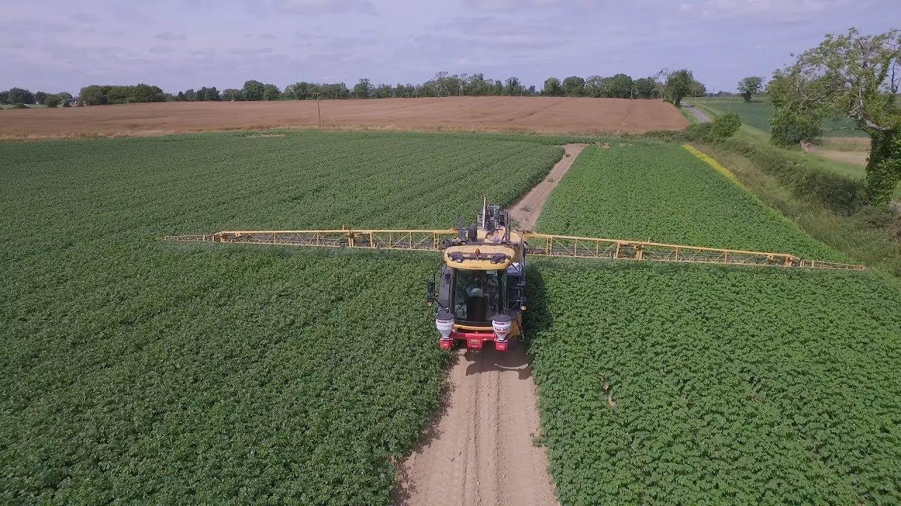 GRASSMEN TV - Country Crest Potato Spraying