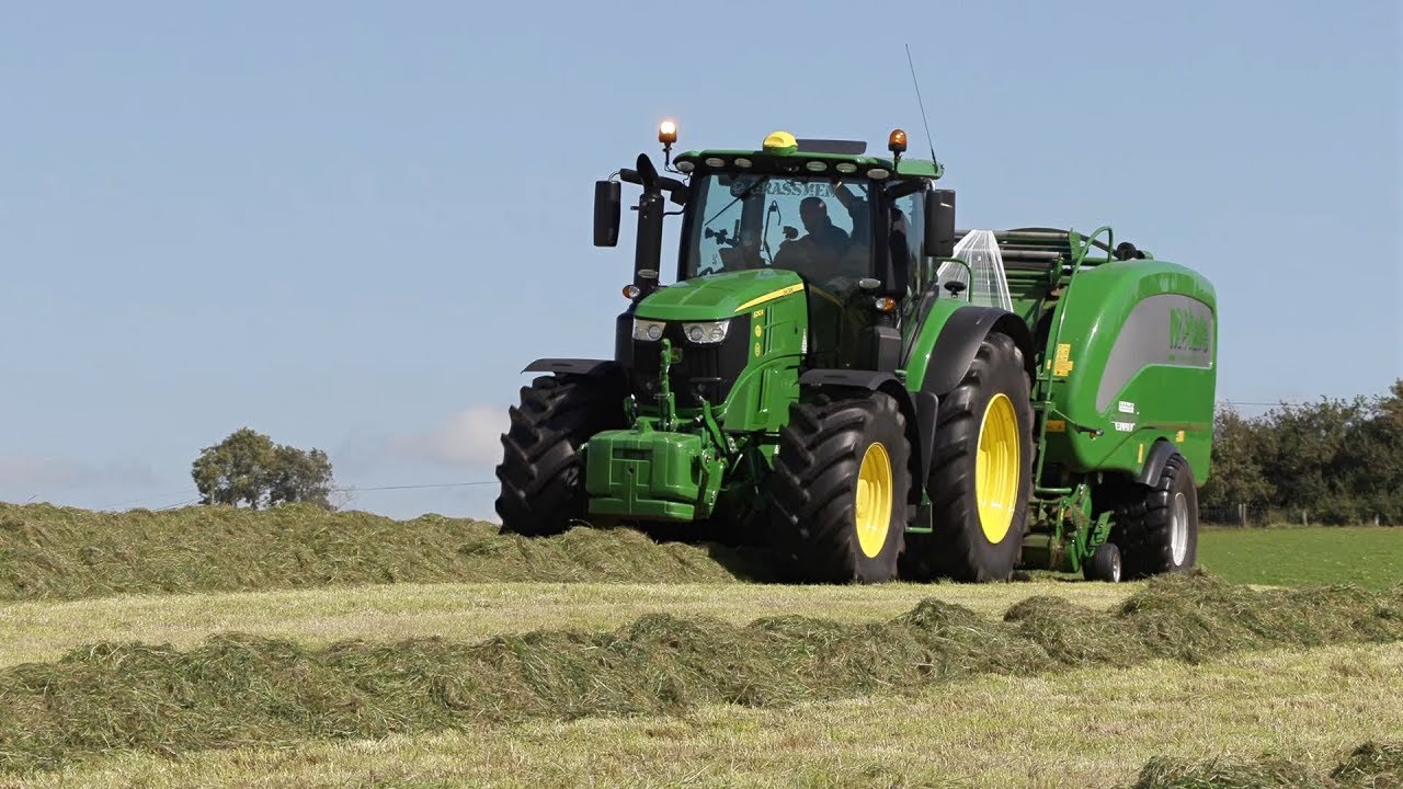 GRASSMEN TV - Doherty Farm Services Baling with the John Deere 6250R