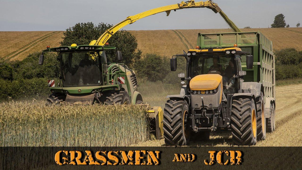 Grassmen and JCB