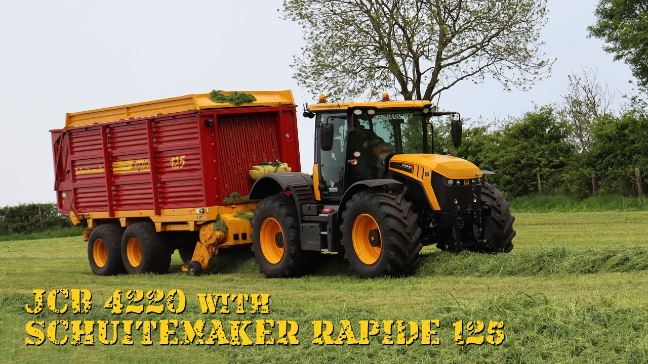 JCB Fastrac 4220 and Schuitemaker Rapide 125 Wagon